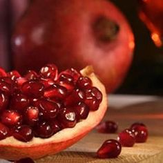 Dr. Daniel Amen's Best Brain Healthy Foods: Pomegranates #DanielPlan