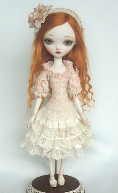 Julie no4 - Porcelain ball jointed doll BJD...Beautiful