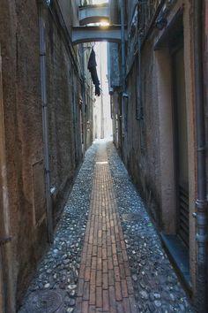 Narrow alley by Giancarlo Gallo