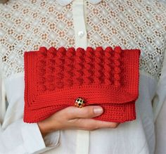 Se hækleopskriften her. Crochet Basics, Alter, Fingerless Gloves, Arm Warmers, Clutches, Projects To Try, Beanie, Quilts, Crafts