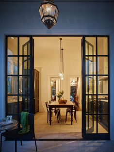 Alecia Stevens is an interior designer, stylist and writer with offices in Charleston, South Carolina and Minneapolis, Minnesota. Mission House, Mission Accomplished, Interior Photography, South Carolina, Charleston, Minneapolis Minnesota, Construction, House Design, Interior Design