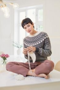 no - pansy genser Pansies, Turtle Neck, Sweaters, Fashion, Knitting Patterns, Knitting, Moda, Fashion Styles, Sweater