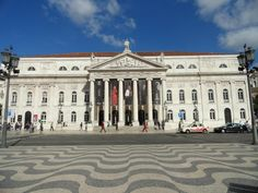Fotografía: Sandra Rastelli- Lisboa Louvre, Building, Travel, Lisbon, Boating, Port Wine, Santiago De Compostela, Walks, Wine Cellars