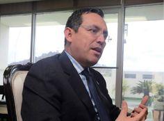 Marlon Tábora  coordinador del Gabinete Económico de Honduras. El reto más importante para Honduras durante 2016 es atraer más inversión El coordinador del Gabinete Económico considera que una tarea pendiente es la creación de empleos y eso requiere generar confianza a nivel político para que haya mayores flujos de capital nacional y extranjero en el país