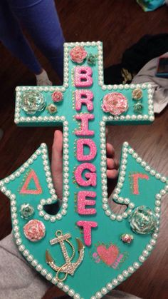 my sorority doesn't do big/little paddles anymore but we now do wooden anchors and my little mad me this perfect anchor<3