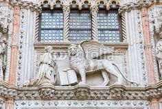 Venezia, Venice (Italy) - Palazzo Ducale, il Doge e il Leone alato di San Marco © Pietro D'Antonio