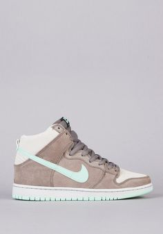 buy online 00d0d 67eec Nike SB  Dunk High Pro SB Skate Shoes 94.95. Dont know if they
