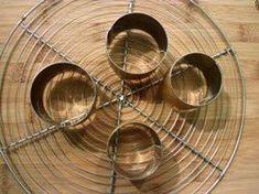 """Réaliser des """"cercles"""" de feuille de brick... en images - Le Sot L'y Laisse Brick Pastry, Pies Art, Bricks, Images, Tech, Soccer Cake, Food Design, Circles, Wrap Around"""