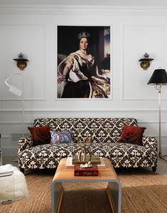 love the graphic print on this sofa  2011 Hampton Designer Showhouse: Lower Level and Outdoor Spaces - Traditional Home