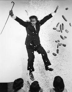 Salvador Dali with three girls, 1949 (Philippe Halsman's Jumpology series)