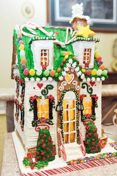 1000 images about gingerbread house inspiration on for Gingerbread house inspiration