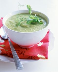 Lime and pea soup, recipe in Finnish. Limetillä maustettu hernesosekeitto | Keitot | Pirkka