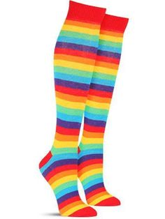 As crazy colorful as it gets and as tall as they come. These awesome rainbow socks are a great way to make your fun loving attitude a part of your wardrobe. Now the age old question: Which of the mill Rainbow Socks, Rainbow Outfit, Rainbow Fashion, Rainbow Clothes, Striped Knee High Socks, Thigh High Socks, Thigh Highs, Knee Highs, Short Gris