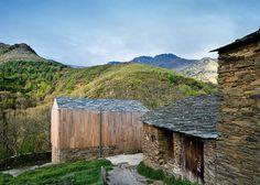 Wood: House in Paderne, Spain – Carlos Quintans Eiras