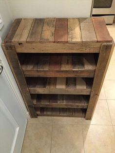 Meuble Chaussure Palette : Pallet Wood Shoe Rack - home ideas - Pallet Crafts, Diy Pallet Projects, Pallet Ideas, Wood Projects, Pallet Designs, Diy Crafts, Wood Shoe Rack, Diy Shoe Rack, Shoe Rack Pallet