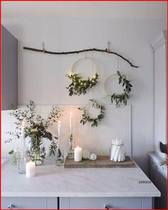 Little Christmas, Christmas Home, Christmas Wreaths, Christmas Crafts, Diy Christmas Wall Decor, Scandinavian Christmas Decorations, Modern Christmas Decor, Christmas Greenery, Christmas Decorations Apartment Small Spaces
