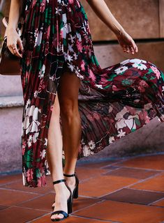 Black heeled sandals  What to Wear to a Holiday Party in a Heatwave | Florals – Sydne Style