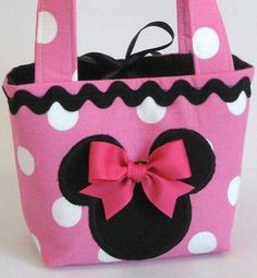 Minnie Mouse Tote Bag(love this! Sewing Crafts, Sewing Projects, Creation Couture, Quilted Bag, Mickey Minnie Mouse, Disney Crafts, Girls Bags, Sewing For Kids, Purses And Bags