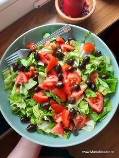 15 salate pentru diete sanatoase. Cele mai bune salate din lume – Maria Nicuţar Best Salad Recipes, Healthy Recipes, Fruit Salad, Cobb Salad, Salads, Veggies, Health Fitness, Mai, Food