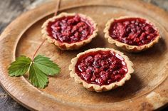 Wild Strawberry Tarts — The Bite House No Cook Desserts, Just Desserts, Delicious Desserts, Yummy Food, Yummy Treats, Strawberry Tarts, Strawberry Desserts, Strawberry Fields, Fruit Recipes