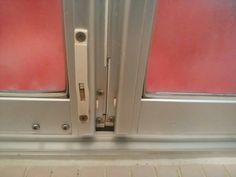浴室ドアの水垢やカビをカビキラーを使わずに掃除した結果 浴室