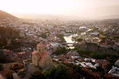 Panorama prestonice Tbilisi, Gruzija | Tbilisi panorama, Georgia