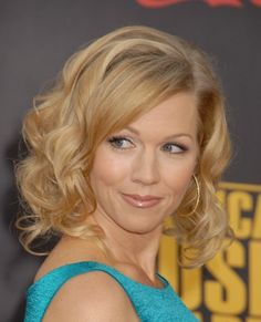 curly mid length hairstyles 2013 - Google Search. Jennie Garth. She's always been so pretty. Fair skin. Golden blonde.