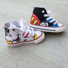 Discover recipes, home ideas, style inspiration and other ideas to try. Disney Painted Shoes, Painted Canvas Shoes, Custom Painted Shoes, Hand Painted Shoes, Custom Shoes, Custom Sneakers, Diy Converse, Painted Converse, Painted Sneakers