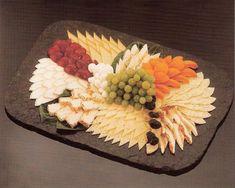 Kalte-Platten - food and drinks, Party Food Buffet, Party Food Platters, Cheese Platters, Baby Shower Appetizers, Snacks Für Party, English Food, Food Design, Finger Foods, Food Art