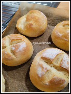 Topfenweckerl Hamburger, Bread, Food, Sheet Pan, Play Dough, Food Food, Brot, Essen, Eten