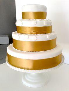 Golden Wedding Cake - Portugal #weddingportugal #lisbonweddingplanner #weddingcakeportugal