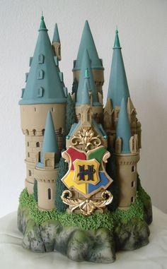 Hogwarts School Castle Cake Topper by BershoDesigns on Etsy Harry Potter Theme Cake, Gateau Harry Potter, Harry Potter Fiesta, Harry Potter Castle, Cumpleaños Harry Potter, Harry Potter Birthday Cake, Harry Potter Wedding, Crazy Cakes, Themed Cakes