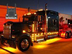 SemiTruckGallery.com © | Custom Semi Trucks