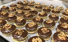 Tartelette d& fourrée aux noix - Backschätze - Christmas Sweets, Christmas Cooking, Coconut Pineapple Cake, Gourmet Candy, Tartelette, Berry Cake, Fruity Drinks, Czech Recipes, Yummy Cupcakes