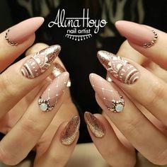 826 likes, 14 comments - Alina Hoyo Nail Artist ( in . - nails - Best Nail World Elegant Nails, Stylish Nails, Trendy Nails, Cute Nails, Beautiful Nail Art, Gorgeous Nails, Bridal Nails, Wedding Nails, Winter Nail Designs