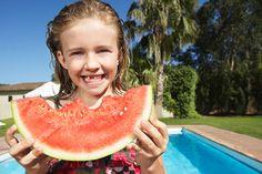 ¿Por qué es mejor esperar un par de horas antes de #bañarse después de la comida? #cortodigestión #piscina