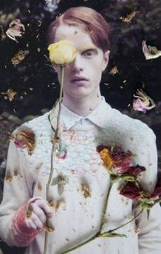 Flower Twins by Flora Deborah for C-heads magazine † † Photography: Flora Deborah Styling: Olivia Wright Make-up and hair: Michelle Dacillo Photographer's assistant Annelie Saroglou Models: Kaitlyn @ Storm models and Jamie @ M+P models † Quotes About Photography, Photography Poses, Photography Flowers, Grunge Look, Flower Boys, Model Photographers, Flower Fashion, Flowers In Hair, Fashion Photo