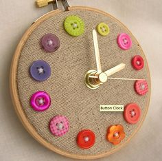 Perfect clock for a sewing room. Button and embroidery hoop clock. Would be cute with number buttons. Fun Crafts, Diy And Crafts, Arts And Crafts, Room Crafts, Creative Crafts, Stick Crafts, Craft Rooms, Button Art, Button Crafts