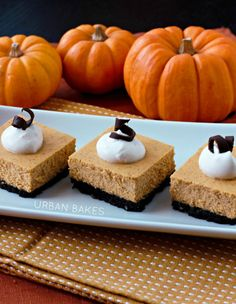 Creamy Pumpkin Cheesecake with an Oreo Pecan Crust | urbanbakes.com