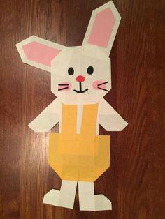 Zajac zo skladaného papiera