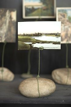 river rock photo holder. Maybe with one of the rocks that have words/ quotes engraved in them! Great site for children's crafts!