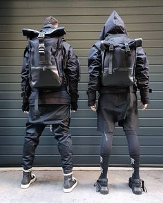 Do you want to have tactical bag in the future? 🤔🙏🏻🖤 - [In the last post I asked you what is important for techwear clothing. Many said:… Source by clothing wallpaper Mode Cyberpunk, Cyberpunk Clothes, Cyberpunk Fashion, Japan Fashion, Fashion Week, Mens Fashion, Steampunk Fashion, Gothic Fashion, Tactical Wear