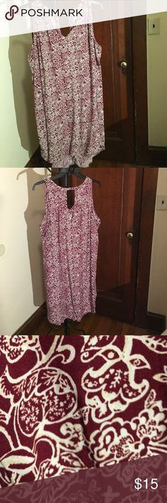 Old Navy Hi low swing dress XXL Old Navy Hi low swing dress XXL in maroon and white Old Navy Dresses High Low