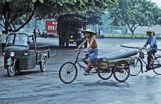 These impressive color photos were taken byAustrian photographerHerbert Stachelberger when he traveled in China in September The c. Classic Image, His Travel, 1970s, Cycling, China, Culture, Photos, Life, Vintage