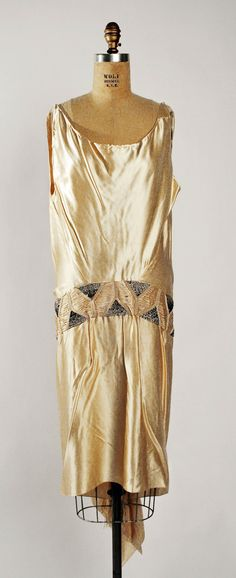 Dress, Attributed to Madeleine Vionnet (French, Chilleurs-aux-Bois 1876–1975 Paris): 1928, French, silk, metal, glass.