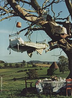 Tree Bed, Great Britain photo by Tim Walker ! Aesthetic Pictures, Glamping, Alice In Wonderland, Fairy Tales, Beautiful Places, Scenery, World, Sweet Dreams, Outdoor Living