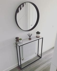 Classic White Marble Console Table (Radiator Cover) - wide x deep x high Entrance Hall Decor, Decoration Hall, Decoration Entree, Entryway Decor, Small Hallway Decorating, Stairway Decorating, Decorate Long Hallway, Small Entryways, Small Hallways