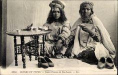 Ansichtskarte / Postkarte Scenes et Types, Jeunes Femmes de Bou Saada, Maghreb, Levy & Fils