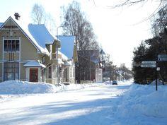 Kirkkokatu, Kaskinen Finland - (the pin via Harri Karvonen • https://www.pinterest.com/pin/558868634985124146/ )