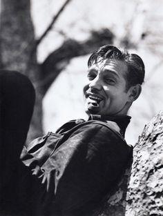 Clark Gable: Classic Photo of a Rogue! Classic Short Stories, Classic Movies, Vintage Hollywood, Classic Hollywood, John Batho, Carole Lombard, Clark Gable, Joan Crawford, Movie Photo